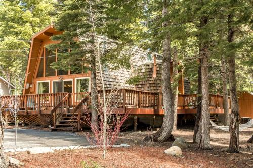 Wooded Tahoe Home - Tahoe City, CA 96140