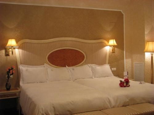 Double Room Hotel Santa Isabel 9