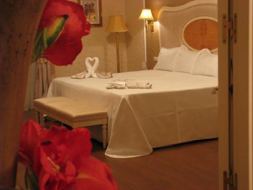 Suite Hotel Santa Isabel 14