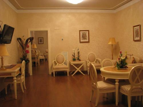 Suite Hotel Santa Isabel 15