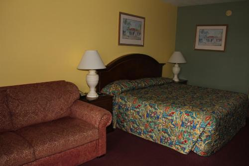 Americas Best Value Inn Cocoa Port Canaveral - Cocoa, FL 32926