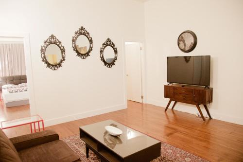 Union Square Best Location 2 Bedroom Apt