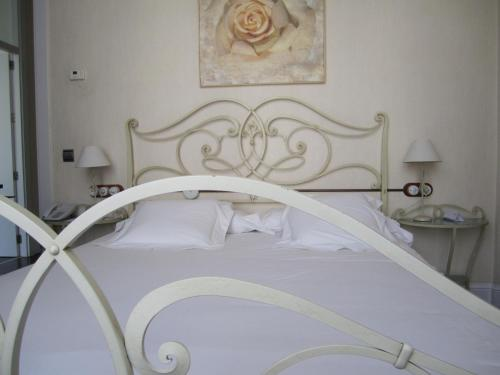 Double or Twin Room Hotel Palacio Garvey 6
