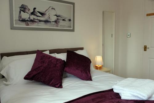 Lolite Homes - 3 Bed House Perfect for NEC Resort World & Airport Stays - 5 Minute Journey - Service