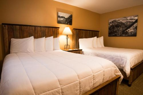 Silver Moon Inn - Estes Park, CO 80517