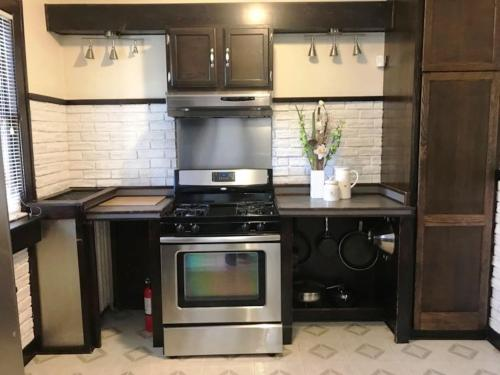 NEWHOST-Victorian Pintrest Style 15min to Downtown - Apartment - Detroit