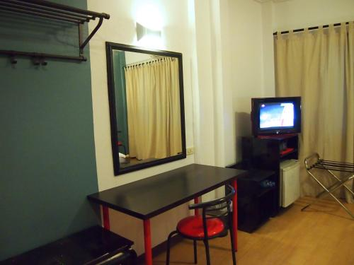 Intown Residence photo 11