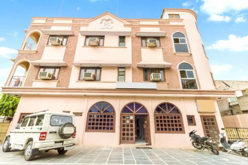 Book 3 Star Hotels Near Rawat Misthan Bhandar Jaipur Triphobo