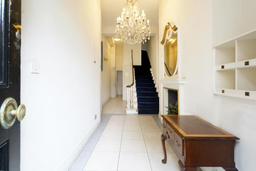 Picture of 17 Hertford Street