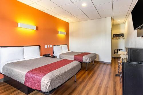 Motel 6 Elizabeth - Newark Liberty International Airport - Elizabeth, NJ 07201