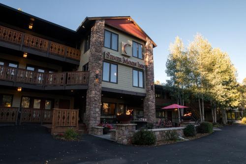 . Silver Moon Inn
