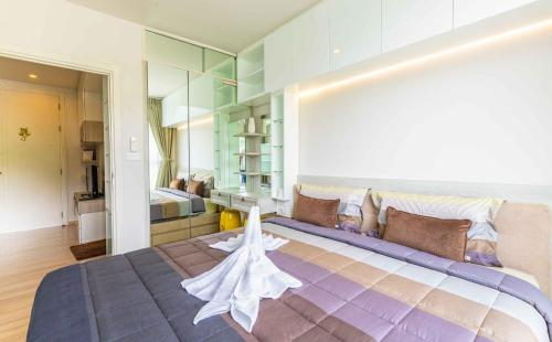 GOOD PRICE Luxury Bedroom with Rooftop Pool GOOD PRICE Luxury Bedroom with Rooftop Pool