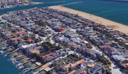 1625 E. Balboa Blvd. (68312)