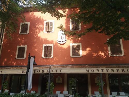 __{offers.Best_flights}__ Albergo Montenerone
