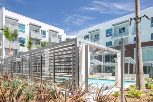 Luxury Collection Upscale Apartments Homes - Irvine, CA 92612
