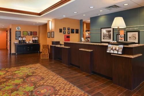 Hampton Inn & Suites Albuquerque-Coors Road - Albuquerque, NM NM 87121