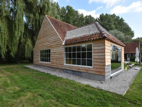 . Luxurious Holiday Home with Sauna and Jacuzzi in Saint-Omer