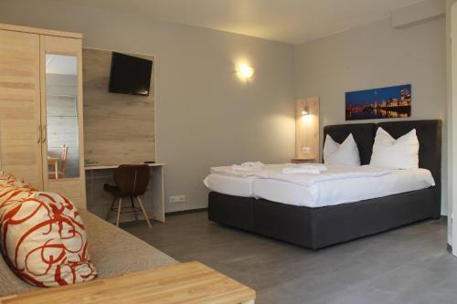City Lounge Hotel photo 34