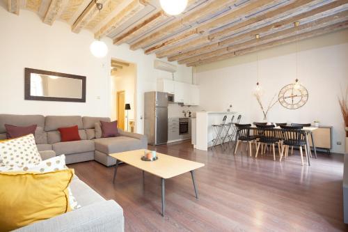 Rent Top Apartments Las Ramblas photo 14