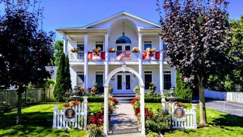 The White House Boutique B&B - Accommodation - Niagara on the Lake