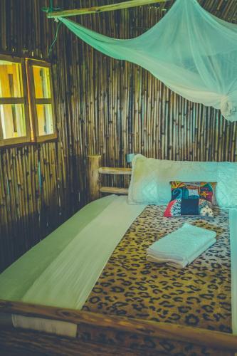 Sipi Falls Lodge, Tingey