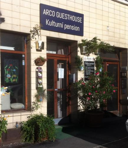 ARCO Guesthouse (B&B)