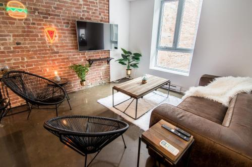 1820S Style Boutique Lofts In Old Montreal By Nuage