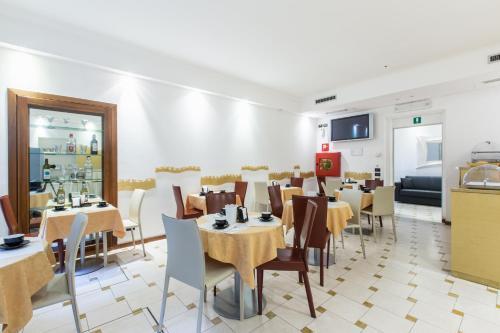 Hotel Agli Artisti - image 7