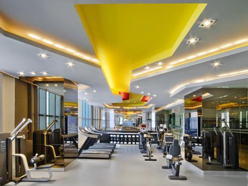 V Hotel Dubai, Curio Collection by Hilton photo 18