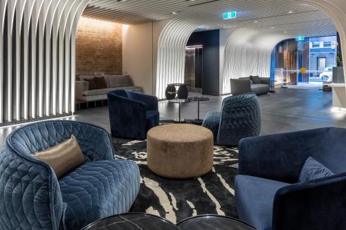 SKYE Suites Sydney - image 9