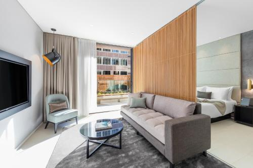 SKYE Suites Sydney - image 12