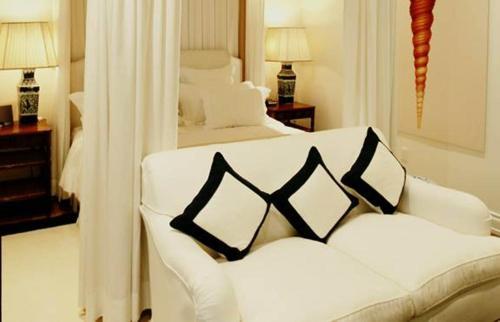 Casa Tua Hotel - Miami Beach, FL 33139