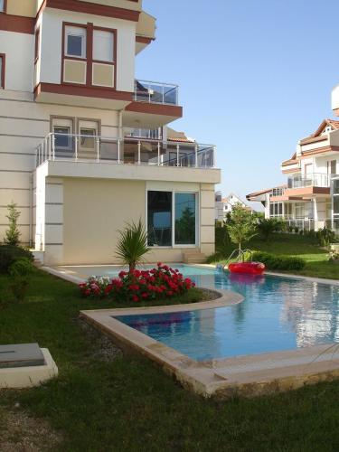 Side Side Villa
