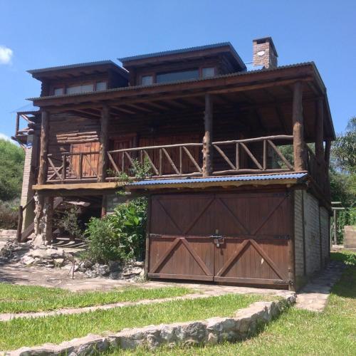 Huinca Machi - Espectacular cabaña en Cordoba con piscina y quincho amplios de Uso exclusivo !