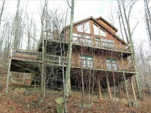Hummingbird Ridge - Red Creek, WV 26260