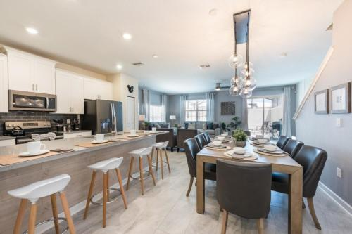 . Champions Gate - luxury 5 bedroom villa