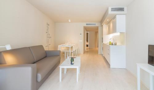 . Daro Apartments