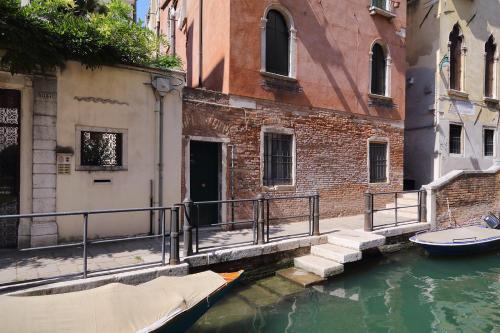 San Marco 3836, Calle Degli Avvocati, Venice.