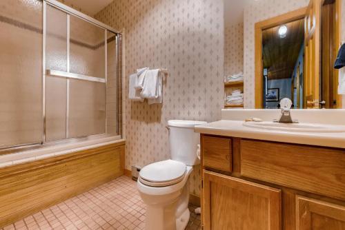 Three-Bedroom Twilight Trail Home - Breckenridge, CO 80424