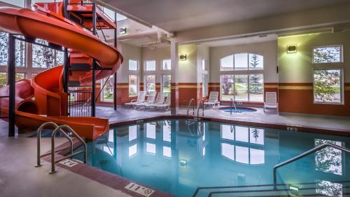 Service Plus Inn and Suites Calgary - Calgary, AB T2Z 3X2