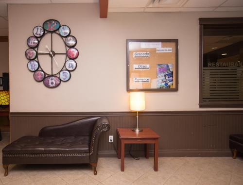 Sands Inn & Suites - Edmonton, AB T5B 4H5
