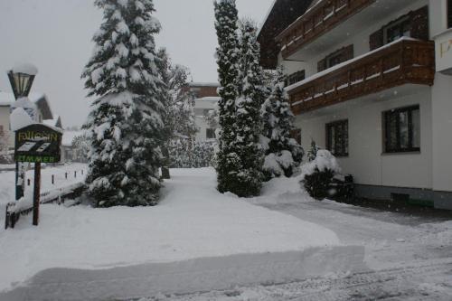 Haus Fallesin - Accommodation - St. Anton am Arlberg