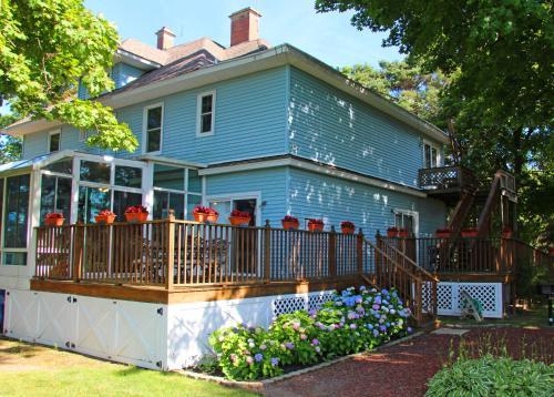 J. Paule's Fenn Inn - Apartment - Fennville