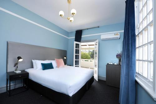 Hotels Near Morish Nuts, Perth: TripHobo