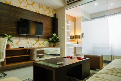 . Luxurious 1BR At Dago Suites Apartment By Travelio