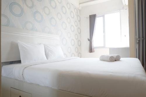 . Comfy Studio Apartment at Pavilion Permata with City View By Travelio