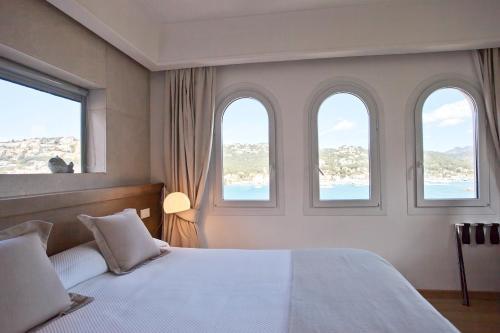 Superior Double Room with Sea View Hotel Villa Italia 9