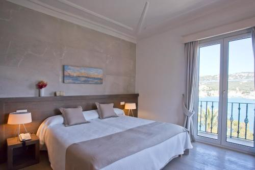 Superior Double Room with Sea View Hotel Villa Italia 14