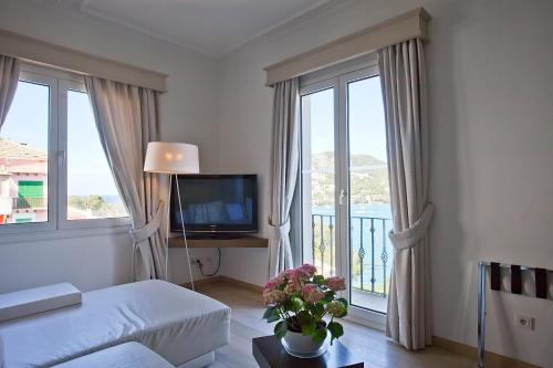 One-Bedroom Suite Hotel Villa Italia 20