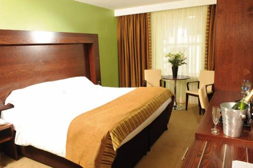 . Treacy's Hotel & The Waterfront Leisure Centre